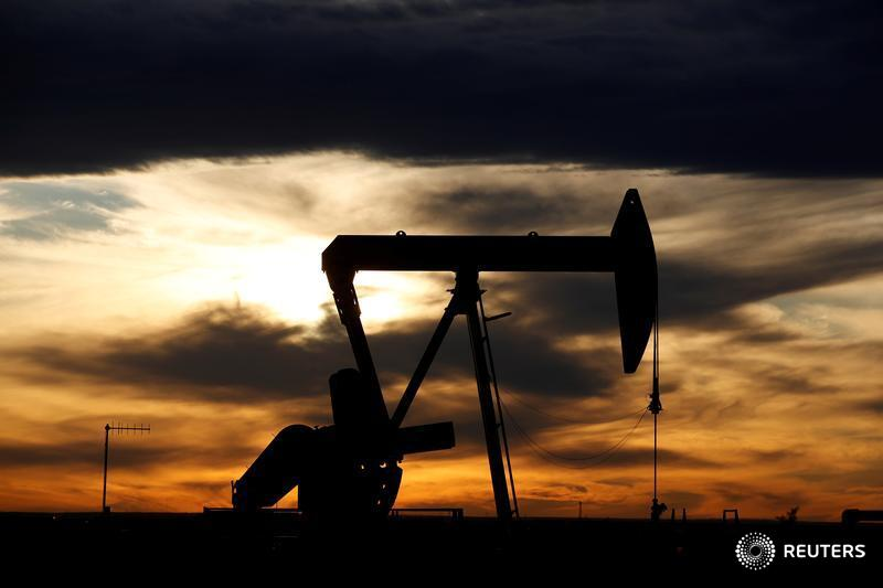 From Saudi Arabia going all-in to historic selloffs, here are ten signs the #oil industry is in distress https://reut.rs/3aw7rIx by @davidgaffen