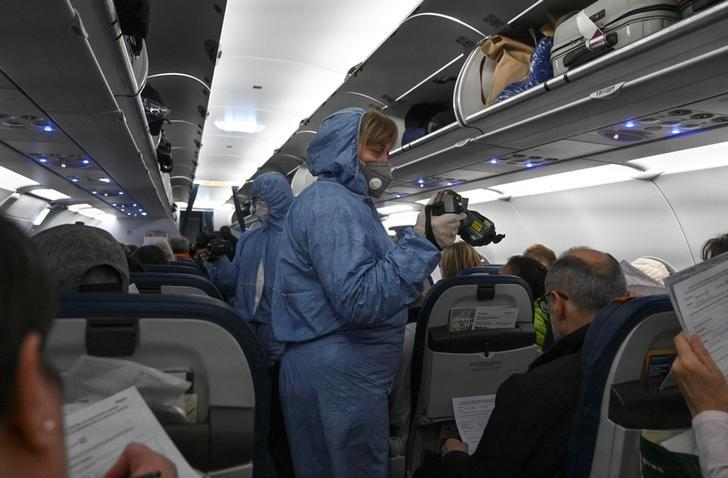 Russia to ground international flights on March 27 due to coronavirus https://www.reuters.com/article/us-health-coronavirus-russia-flights-idUSKBN21D0HD?taid=5e7c5b42e370aa000162292a&utm_campaign=trueAnthem%3A+Trending+Content&utm_medium=trueAnthem&utm_source=twitter …