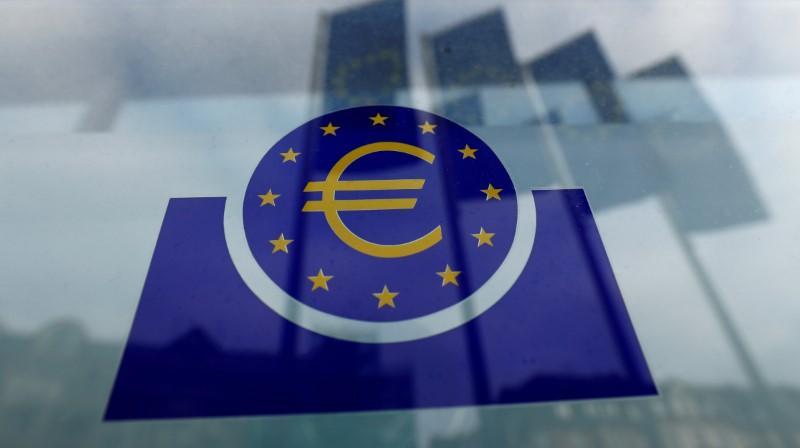 ECB will not apply issuer limit in new crisis fighting QE https://www.reuters.com/article/us-health-coronavirus-ecb-qe-idUSKBN21D0J4?taid=5e7c5d42ef5fb40001469b10&utm_campaign=trueAnthem%3A+Trending+Content&utm_medium=trueAnthem&utm_source=twitter…