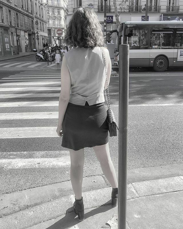 There are streets to enjoy, there are streets to wander aimlessly and also there are streets to contemplate! ~ Mehmet Murat ildan  #streets #urban #girls #paris #igparis  #citydailyphoto #iPhoneography #metro_affair #xplorethestreets #ACreativeVisual #ar… https://ift.tt/39kU4JNpic.twitter.com/vgxxpX0rLn