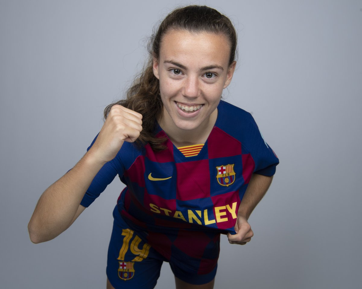 Happy birthday to @FCBfemeni's @candelaandujar🎂 #UWCL