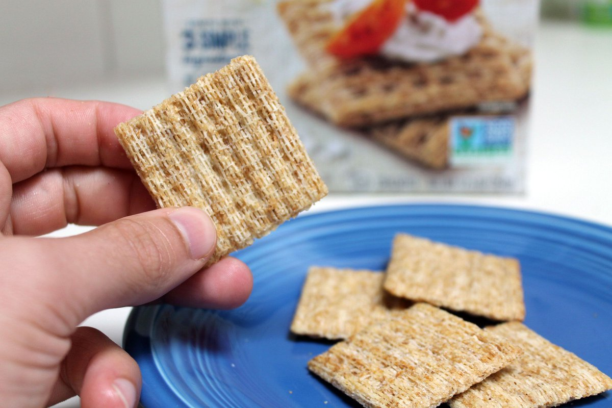 Triscuits are awful. But insulting a triscuit is like insulting your grandma. <br>http://pic.twitter.com/424XA6h4SC