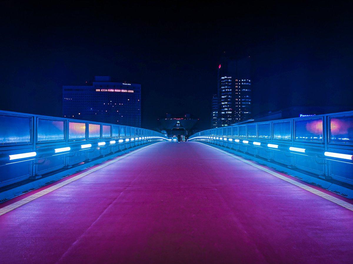 Infinity // #tokyo #neon #japan pic.twitter.com/FhN1TGQXNY