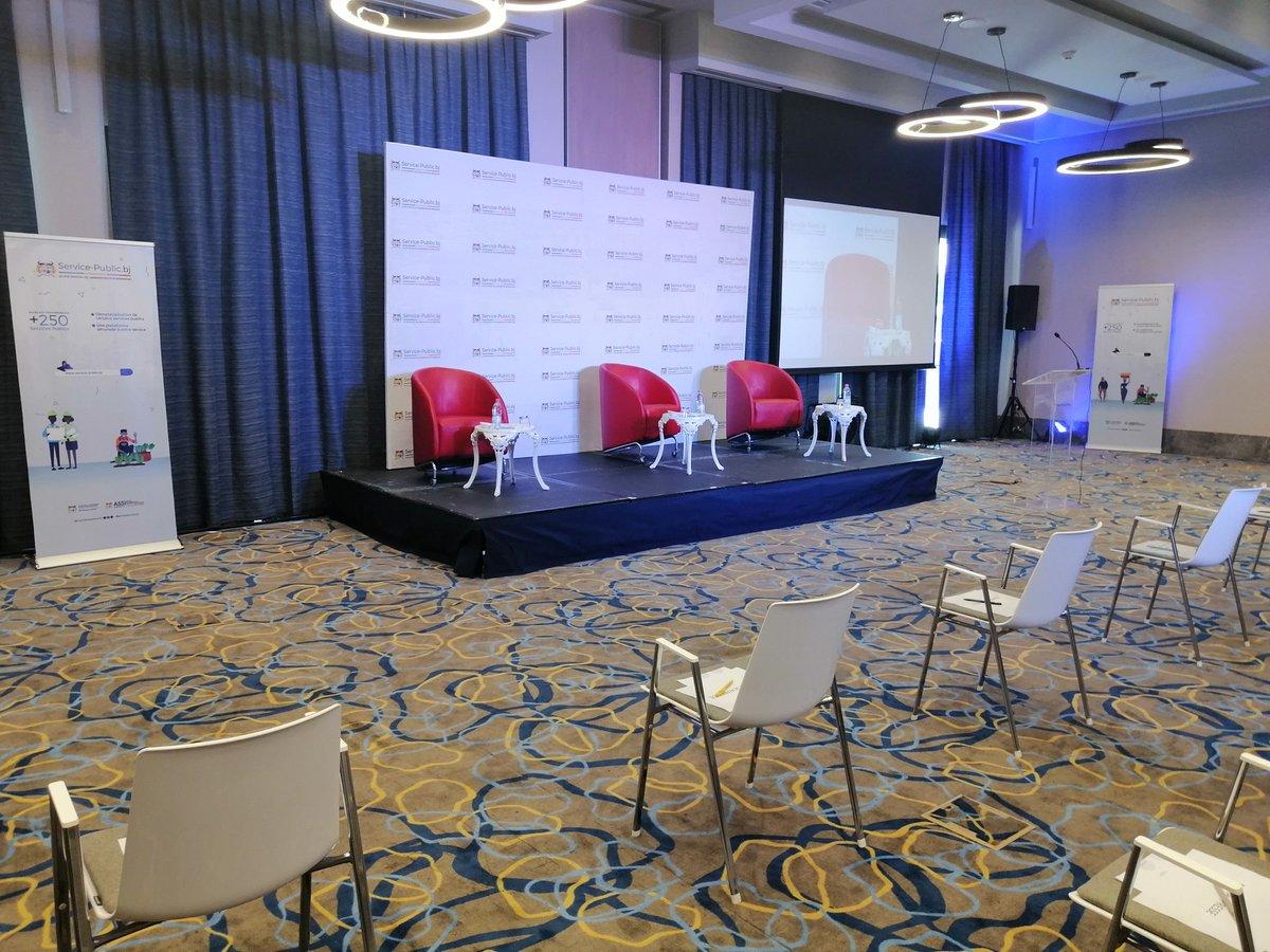 Nous sommes prêts pour le lancement officiel de Service-Public. bj, le Portail National du Service Public du Bénin. Restez en ligne pour vivre en temps réel les moments forts de la conférence de presse. https://t.co/ZQk4bdJL50  #servicepublicbj @AurelieASZ @gouvbenin https://t.co/oZRb0SEH0x