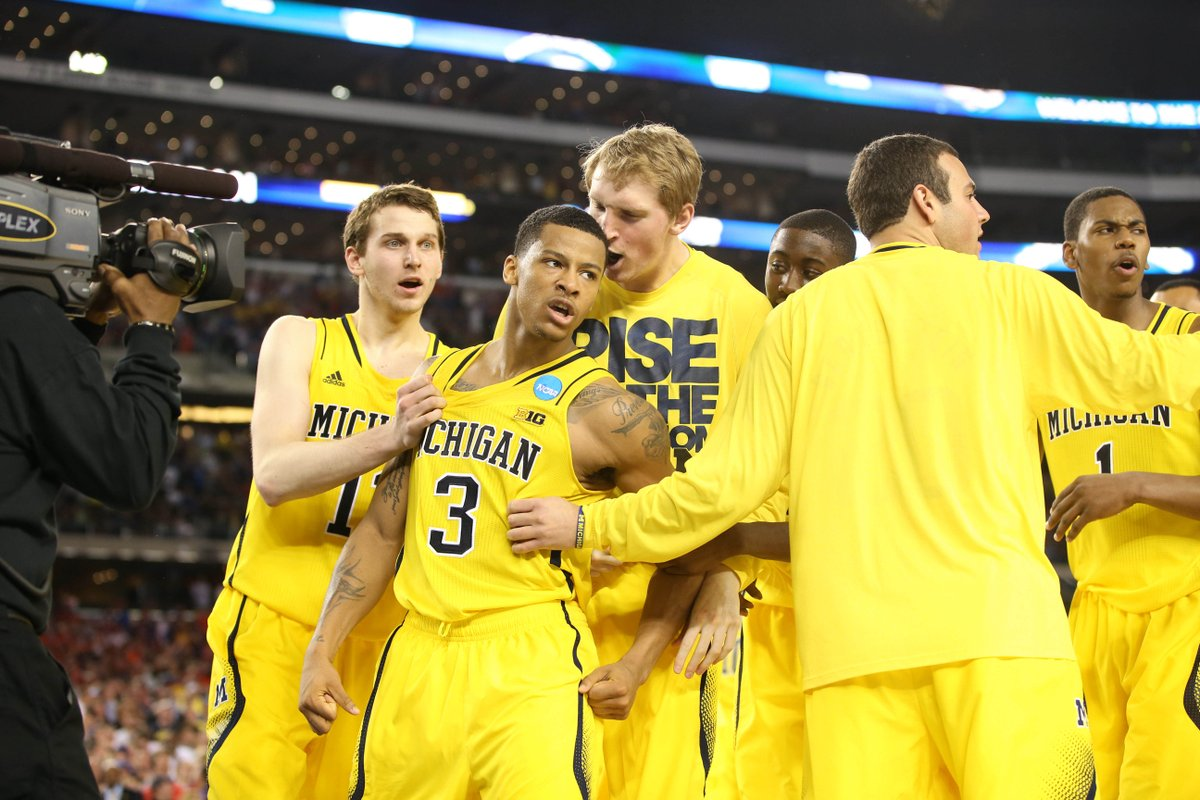 Tune in to CBS Sports Network tonight at 8 p.m. to re-watch our 2013 Sweet 16 game against Kansas! #GoBlue 〽️🏀