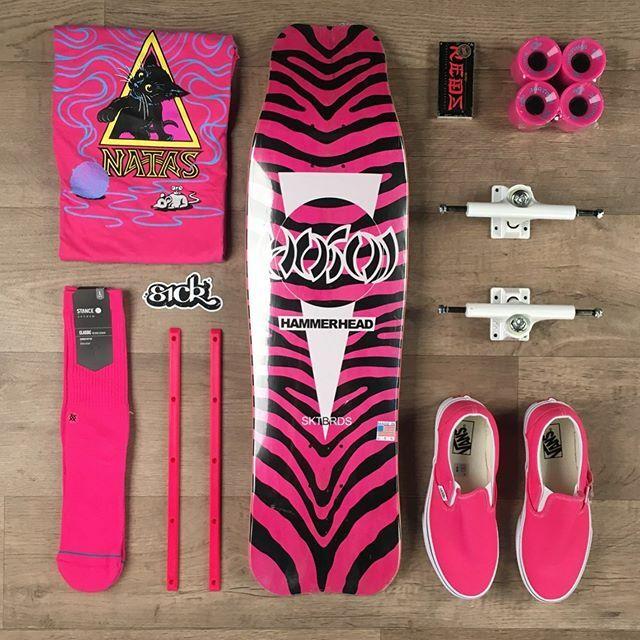 Hot Pink! . . #oldschool #oldschoolskate #oldskool #pink #hosoi #psycho #vision #santacruz #natas #vans #vansslipon #vansclassic #dogtown #bonesbearings https://ift.tt/39ltK1Opic.twitter.com/s97reA0wwS