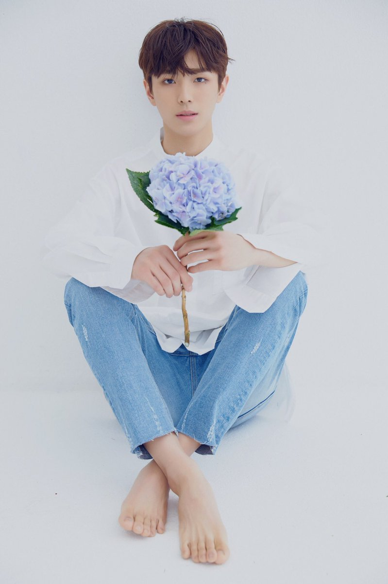 it's officially been a year since yonghee was introduced as a c9boyz/cix member. words can't express how proud we are of you ♡ #일년전오늘_용희 <br>http://pic.twitter.com/ALDoL3IUcb