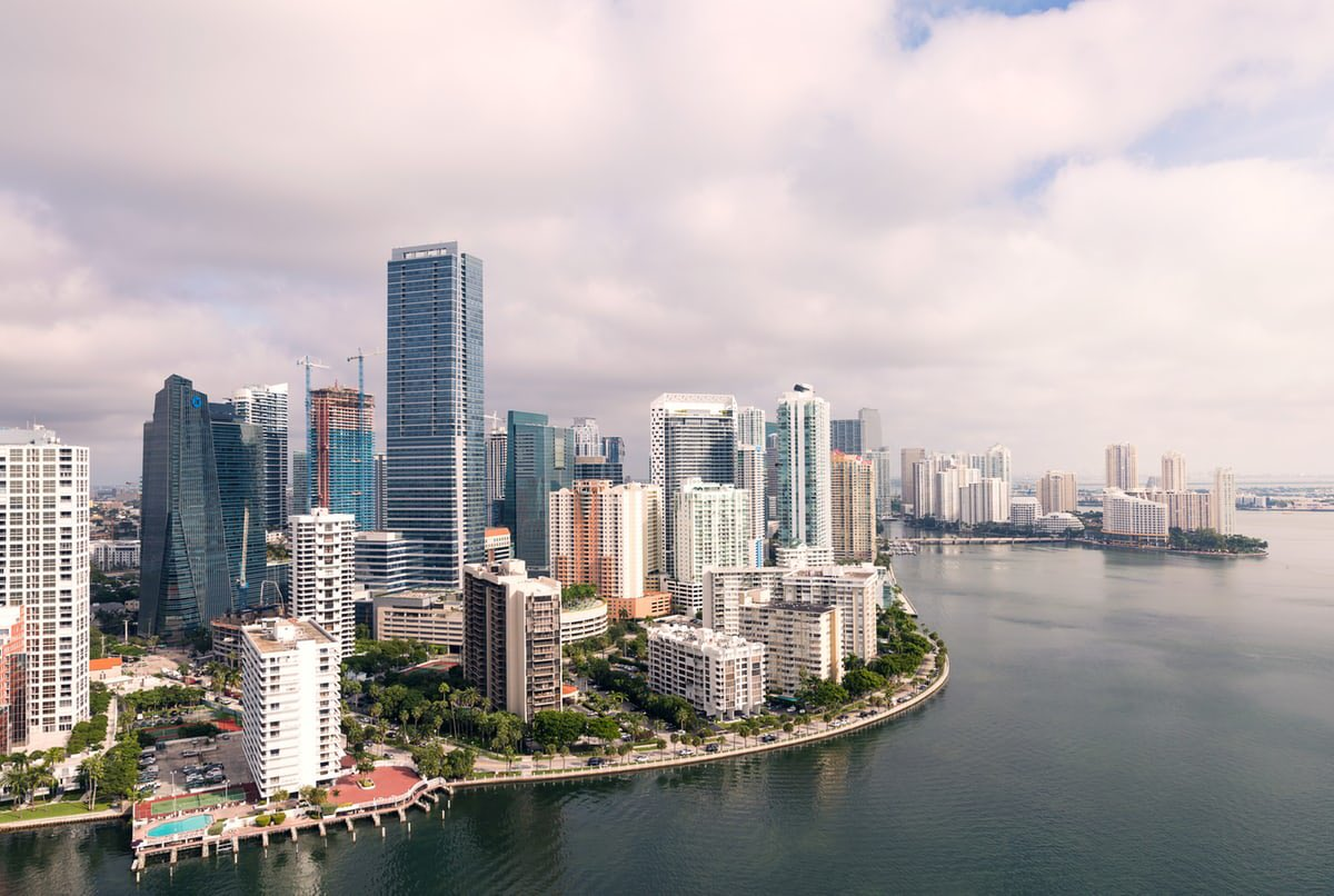With the new day comes new strength and new thoughts... stay strong #Miami  pic.twitter.com/J2hZ1bysX6
