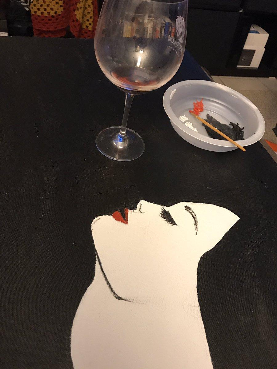 Late night painting #stayathome #artistsoninstagram pic.twitter.com/U7a8yyXqfx