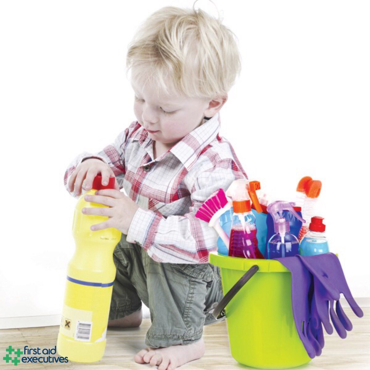 Where do you store your household products? Keep them safe and away from children.  Enquire now http://www.firstaidexecutives.co.uk @firstaidexecs  0800 1244 634  #firstaidexecutives #firstaid #training #firstaidcourse #firstaidtraining #courses #course #chemicals #hazardpic.twitter.com/4h09uVOqr4