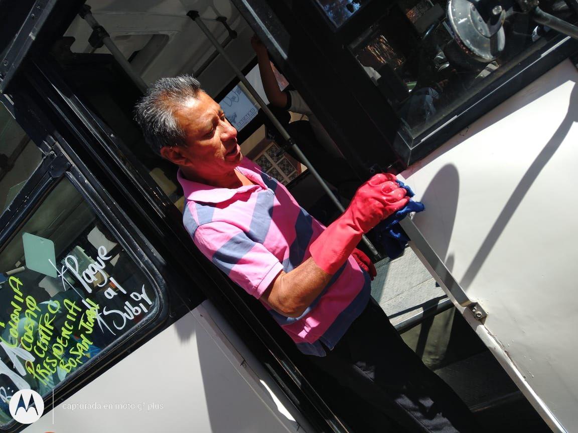Bien por el transporte público en Tequis, actuando responsablemente al sanitizar sus unidades como medida ante la propagación del COVID19 pic.twitter.com/FPtF5QkdMw
