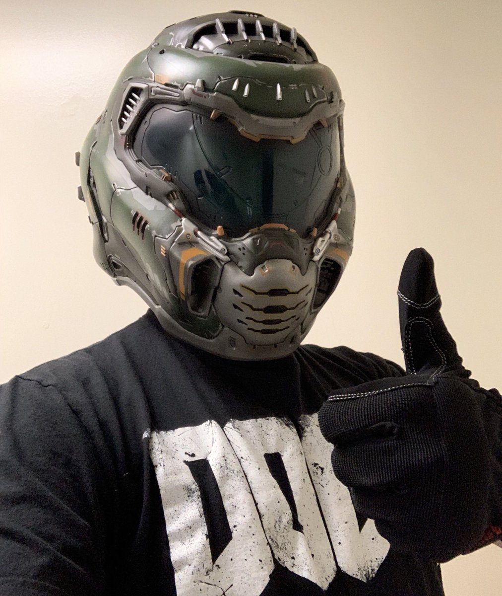 test ツイッターメディア - I FINALLY got the Doom Eternal Collector's Edition yesterday! It's the best CE I've ever gotten. The helmet is the coolest thing ever! I love it so much! My childhood is thrilled!@idSoftware @DOOM @bethesda Thank you for making the best CE & game ever! It's a dream come true! https://t.co/1fQBM9XGsj