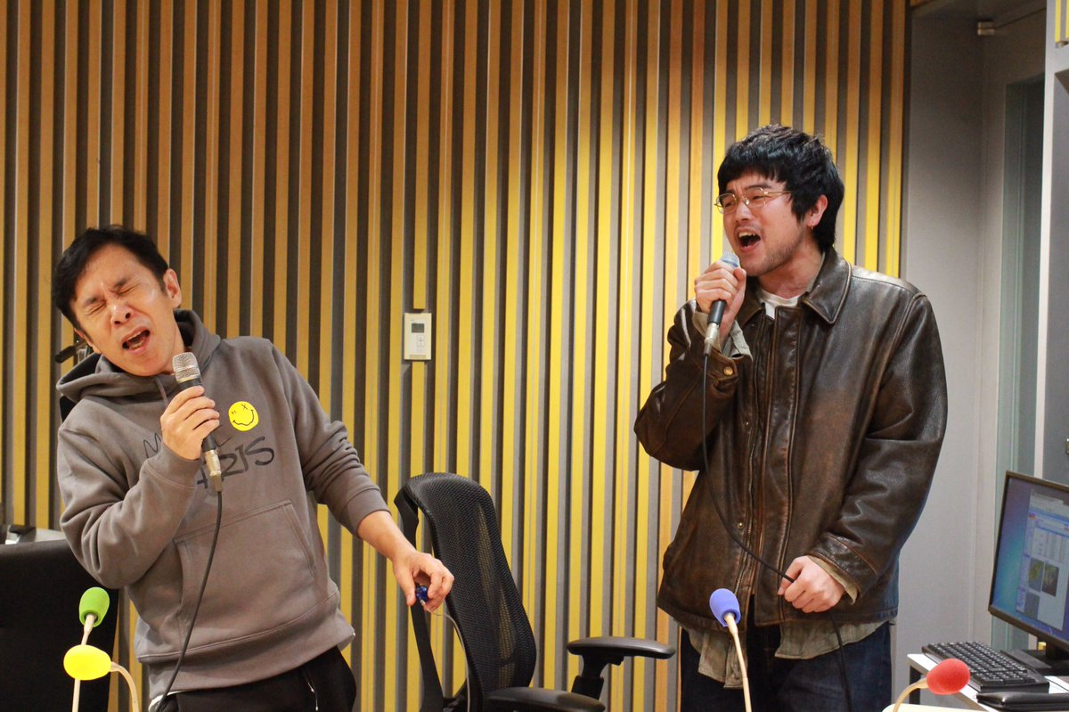 """本日最終回を迎える #井口理ANN0 のヌーさんに捧げた白日。 """"気持ち""""だけを込めて歌いました! スタジオの外で見守ってくれていたヌーさんも一緒に歌ってくれました   ヌーさん!1年間ありがとうございました!「The hole」も練習します✊️  radiko  radiko.jp/share/?t=20200…  #99ann"""