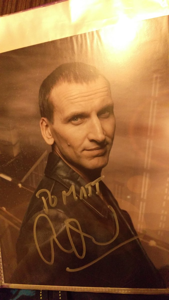 Saw Christopher Eccleston trending because of Doctor Who been back for 15 years, Chris was my first Doctor and still my favorite. Met him at LFCC summer 2019, such a nice guy!  <br>http://pic.twitter.com/NSq476A9xp