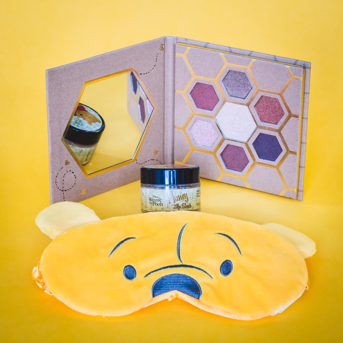 Ready to create a look that's as sweet as hunny? 🍯Shop Winnie the Pooh beauty accessories: bit.ly/2UmFVYj.