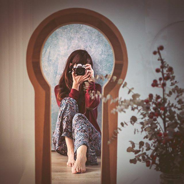 Autofoto en el espejo o es un gigante que mira a través de una cerradura. Misma situación, pero cada uno lo siente diferente. Mucho ánimo a todos https://ift.tt/2UljoLnpic.twitter.com/mpw8kCh79T
