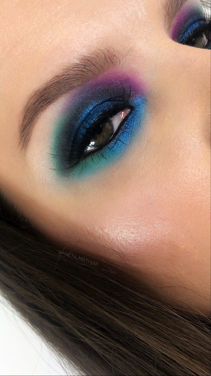 @ABHcosmetics  #dipbrowpomade in ebony #amrezypalette @bperfectcosm  #carnivalpalette   @norvina1 #anastasiabeverlyhills #abhxamrezy #anastasiabrows #abhprsearch #wearebrows #bperfectcarnival #bluemakeup #makeup #makeuplook #makeupaddict #makeupartist #norvina  #MakeUpChallengepic.twitter.com/O0wHtvp18x