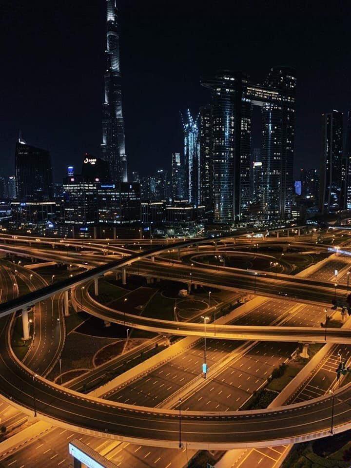 #Dubai responds perfectly pic.twitter.com/CEhqWEGzIG