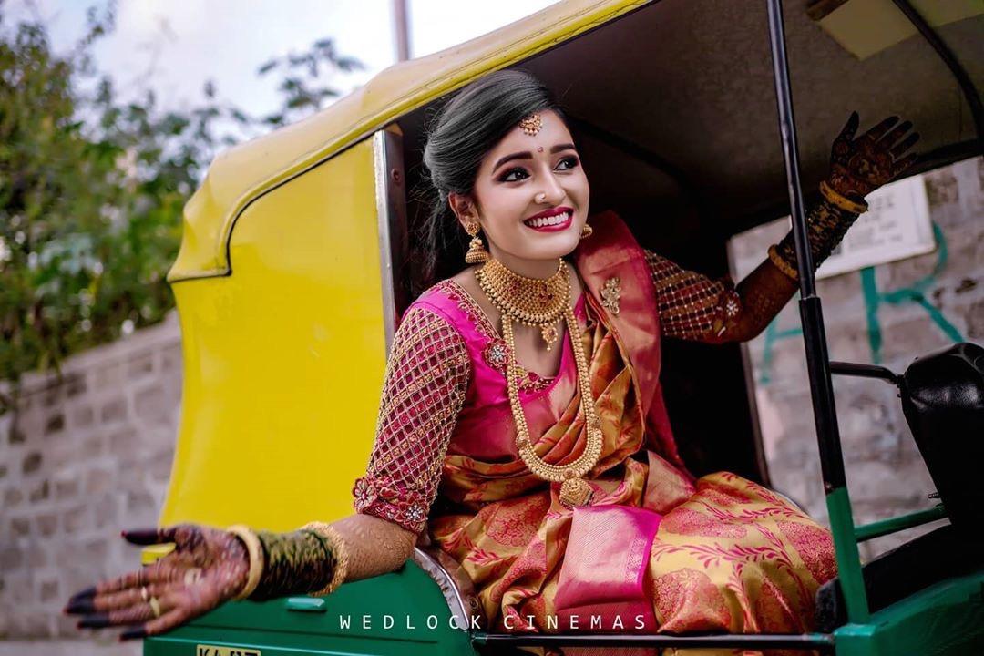 Gorgeous bride : @wedlockcinemas  #weddingscenes #hinduwedding #bridalmakeup #keralabrides #bridesofkerala #keralawedding #keralaweddingphotography #keralaweddingstyles #keralabride #keralabrides #bridesofindia #india #calicut #perfectwedding #perfectweddinghubpic.twitter.com/1JguNoWPCC