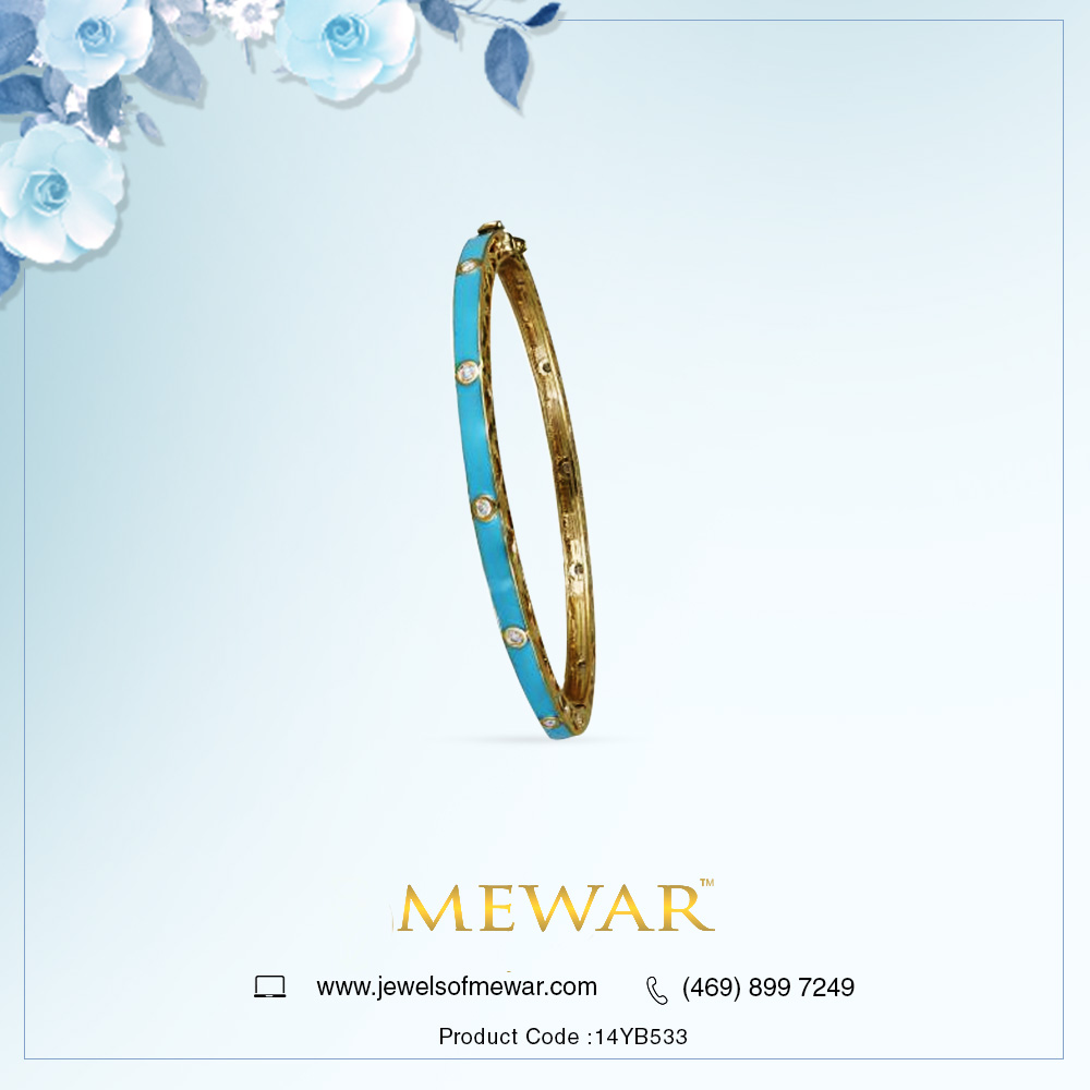 Flaunt the hues you love the most #Dallasjewelrywholesaler #custommadejewelry #golddiamondbangle #women #jewelry #newdesigns #micropavediamonds Visit http://www.jewelsofmewar.com  for more designs !  Stay aware of the latest information on the COVID-19 outbreak https://www.cdc.gov/coronavirus/2019-ncov/index.html?s_cid=+fb_covid_19 …pic.twitter.com/D0o8TDR8ck