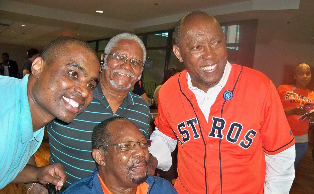Today, #Houston lost a true legend of the game. Jimmy Wynn played baseball and led our team for many years.   We were fortunate to see him when we broke ground on renovations at the Urban Youth Academy. Tonight, I say a prayer that God welcomes Jimmy into His heavenly kingdom.