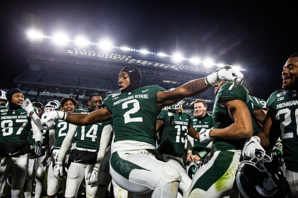 Blessed to announce I've received an offer from MICHIGAN STATE UNIVERSITY #GoGreen pic.twitter.com/XWyggiJSti