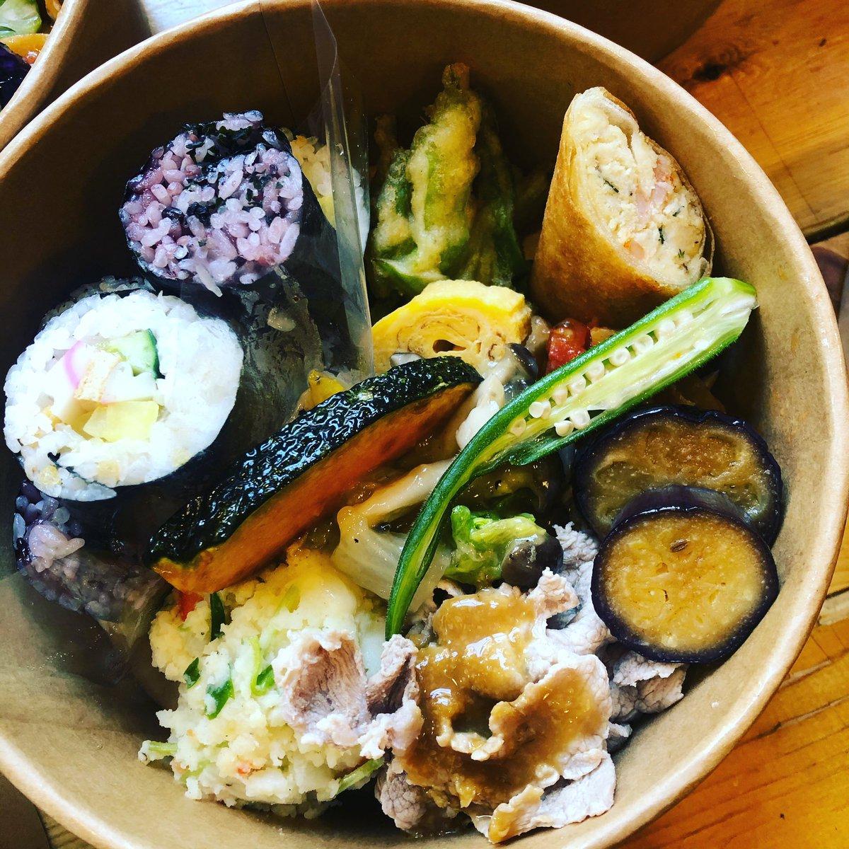 ご飯を海苔巻きにしておかずも沢山食べたい のオーダー  #bento #お弁当 #オベントウ #ケータリング #ロケ弁 #スタジオ弁当pic.twitter.com/Rdy9bKKy1q