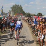 Image for the Tweet beginning: Un Tour de France 🇫🇷