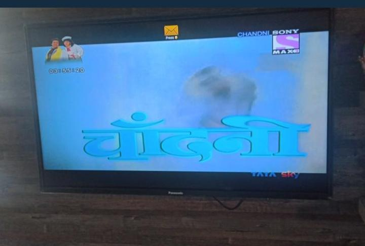 @chintskap sir this is the first movie of my Parents after marriage. 😍 Now showing on @sonymax2movies mom & dad both are watching you movie sir. #chandni.