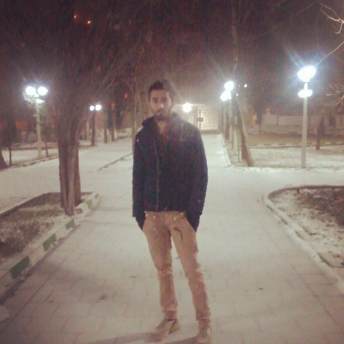 night #snow pic.twitter.com/34hdXLqJqp