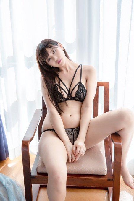 グラビアアイドル篠原冴美のTwitter自撮りエロ画像35