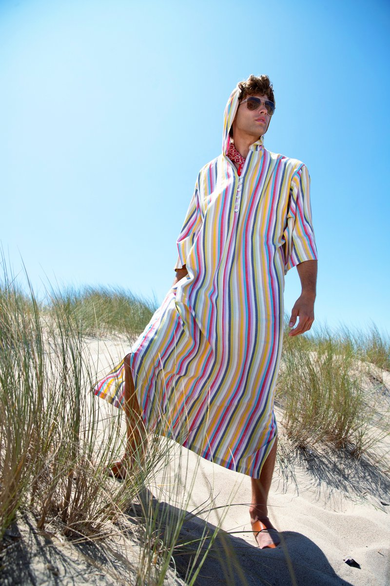 Looking for the perfect #WFHOOTD? Caftans are the way to go! They're stylish & comfortable ✨ #MTOptimism #MrTurkStyle #MrTurk #CaftanFriday