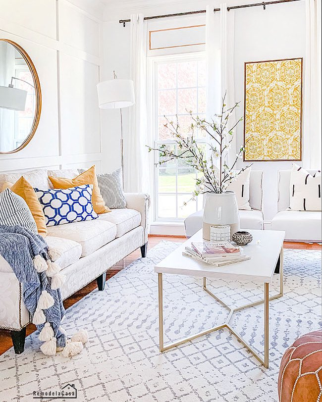 I've been obsessed with yellow these past months!  >>> http://bit.ly/3b4aFCR . . #springdecor #decoratingideas #yellow #diyhomedecor #interiorstyling #livingroom #bhghome #instadecor #boardandbatten #myhomevibe #myhome #currenthomeview #remodelandolacapic.twitter.com/IPwnoF7MCf