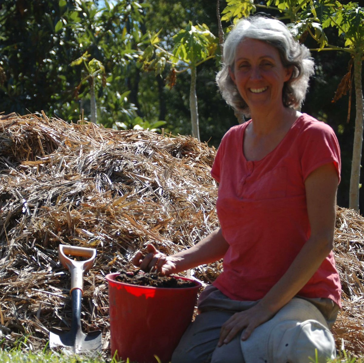 Looking for something to brighten up your Friday afternoon? Try this inspiring article from The Herbal Gardener - https://theherbalgardener.com.au/blogs/news/why-i-grow-biodynamic…  Now is the perfect time to start your own #biodynamic #garden at home - https://www.biodynamic.org.uk/garden/#bd-garden-club…pic.twitter.com/B1vvgeO3pp