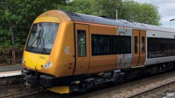 West Midlands Railway looks to stop cash payments bbc.in/2UDF7gA