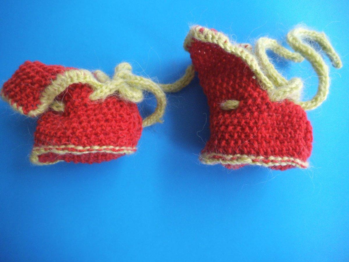 SALE Us Handmade red Baby booties, Unisex baby booties, Winter booties, Wool booties, Newborn booties,for newborn baby https://etsy.me/2gGis2L #crowdfunding #Pottiteam #InternationalWomensDay2020 #EtsyTeamUNITY #craftychaching #HappyMonday #Womeninbusinesspic.twitter.com/CPpn2nzgp3