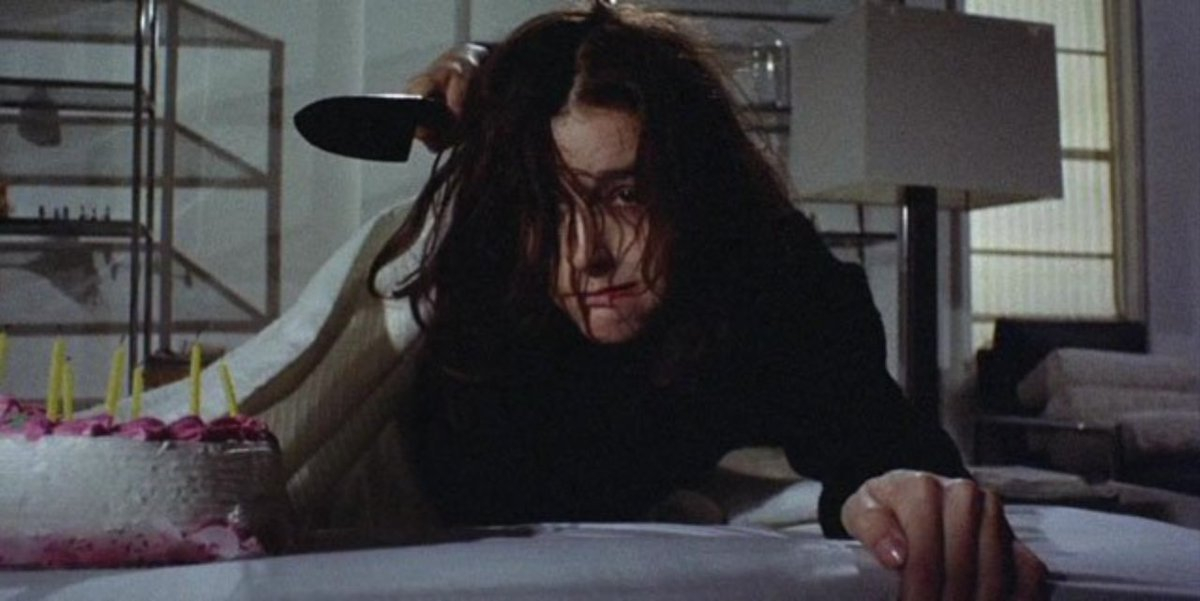 Sisters, directed by Brian De Palma and starring Margot Kidder, Jennifer Salt, Charles Durning, Bill Finley and Lisle Wilson, was released on this day in 1973 (USA)  #Sisters pic.twitter.com/KTRDYqUGX1