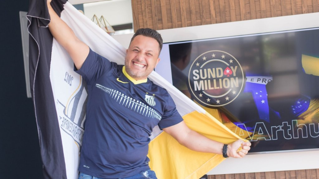Alex AAAArthur Brito was made unemployed last year. To make matters worse, his wife recently lost her job too.   Then he spun a $4 satellite into a #SundayMillion  14th Anniversary seat.  Today, hes a millionaire. 🇧🇷