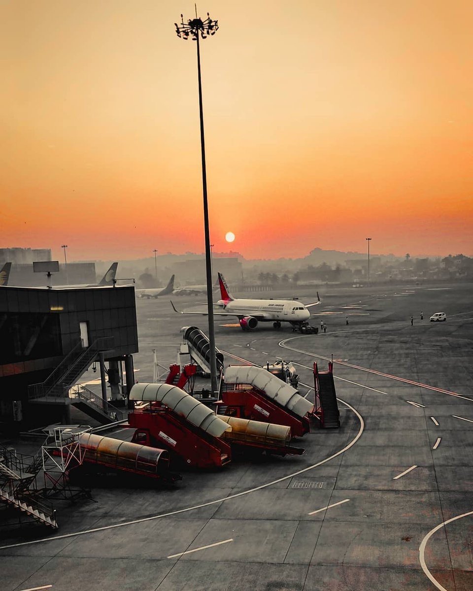 Another Sunrise, Another Beginning. Chatrapati Shivaji Maharaj International Airport, Mumbai ❤️❤️ #WassupMumbai