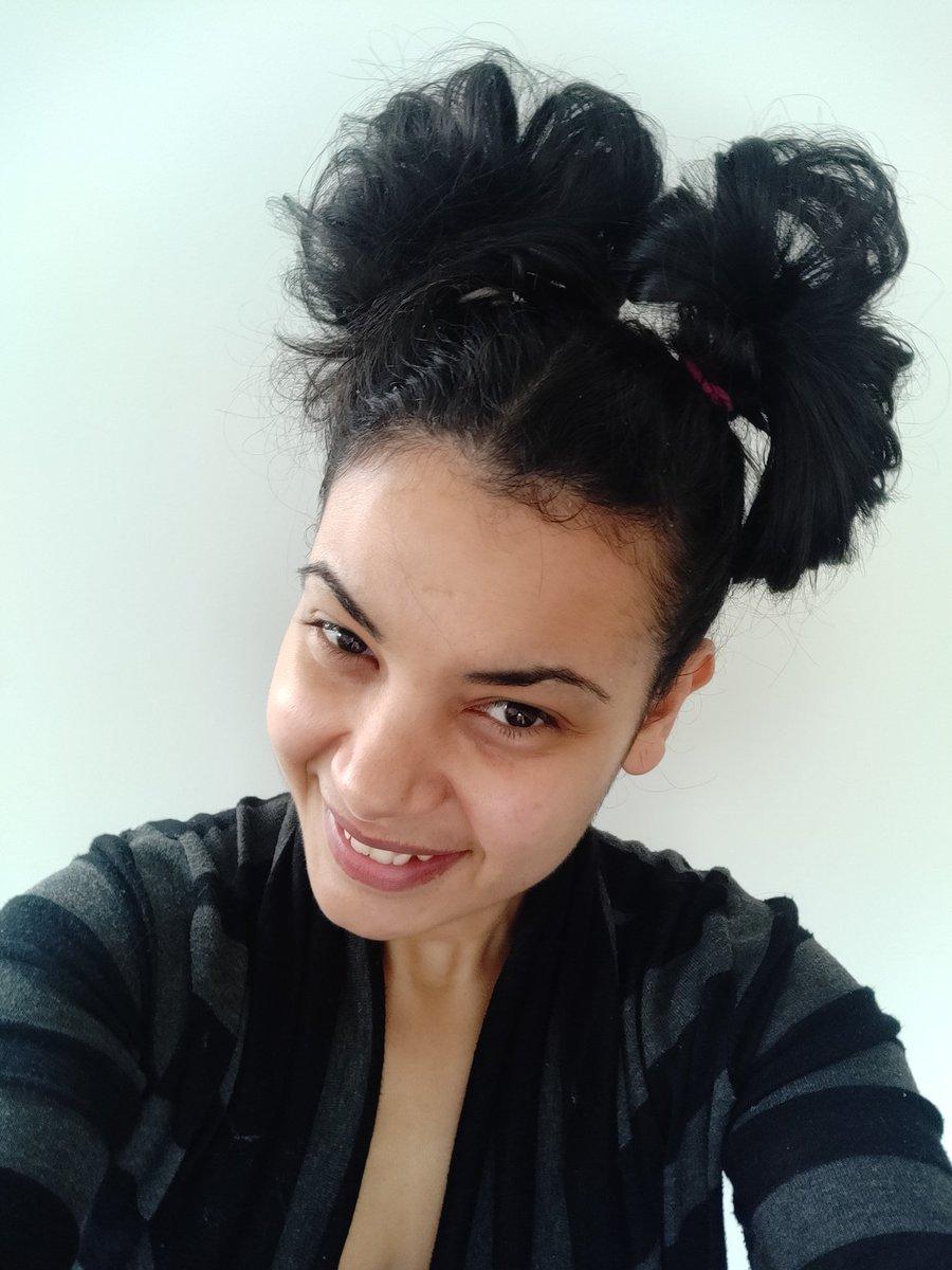 @PsBayview wacky hair indeed!  @PsBayview #gogreen! pic.twitter.com/4Nv3U9DfjC