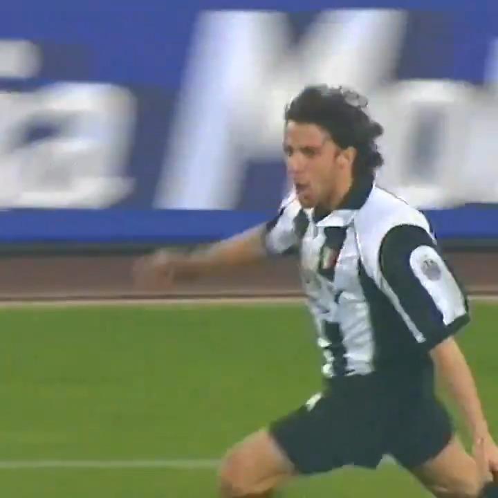 Siete pronti per un'altra #GIFChain? 🔗  Scegliete una GIF per descrivere il #GoalOfTheDay di @delpieroale! 🎯⚽