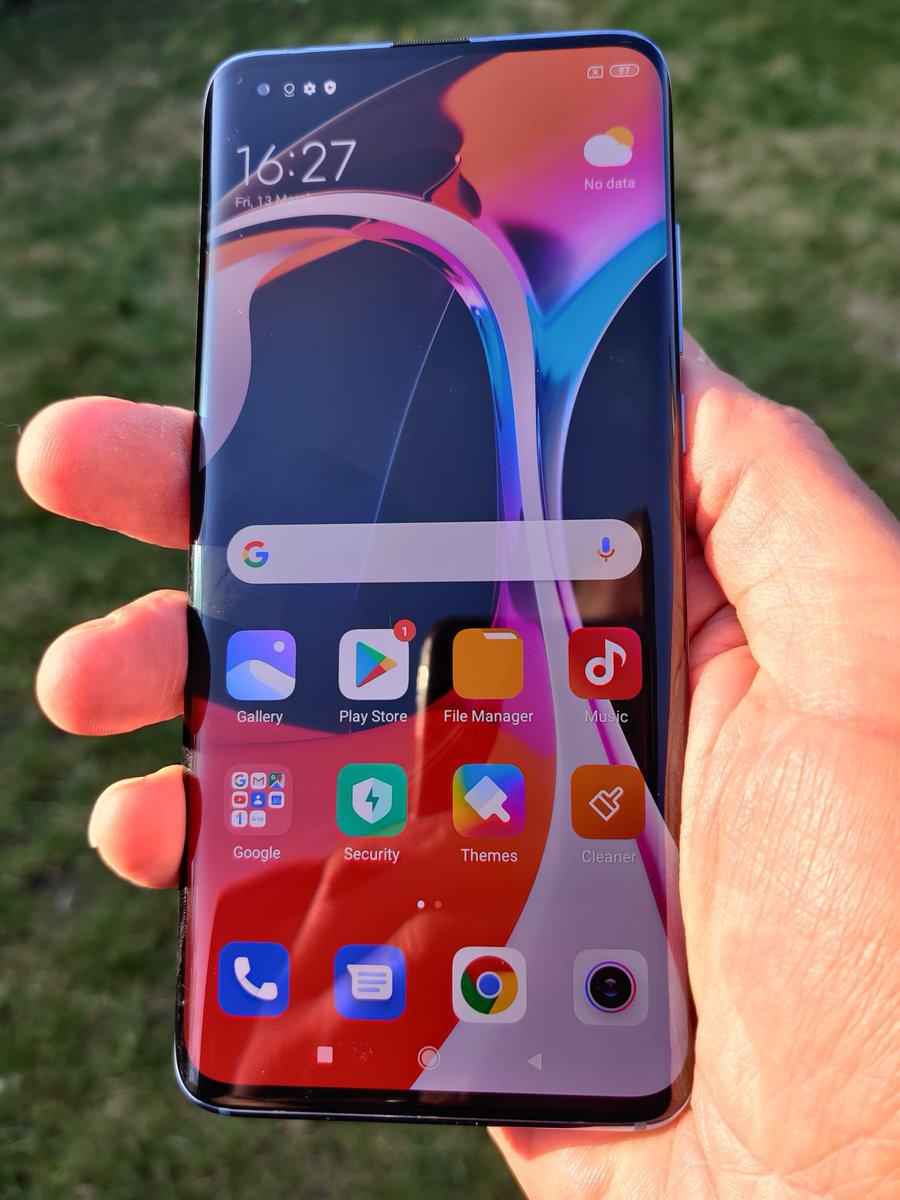 EUIZBpfXsAMmH0q - Smartphone Xiaomi dengan Teknologi Jaringan 5G, Internet Balap!