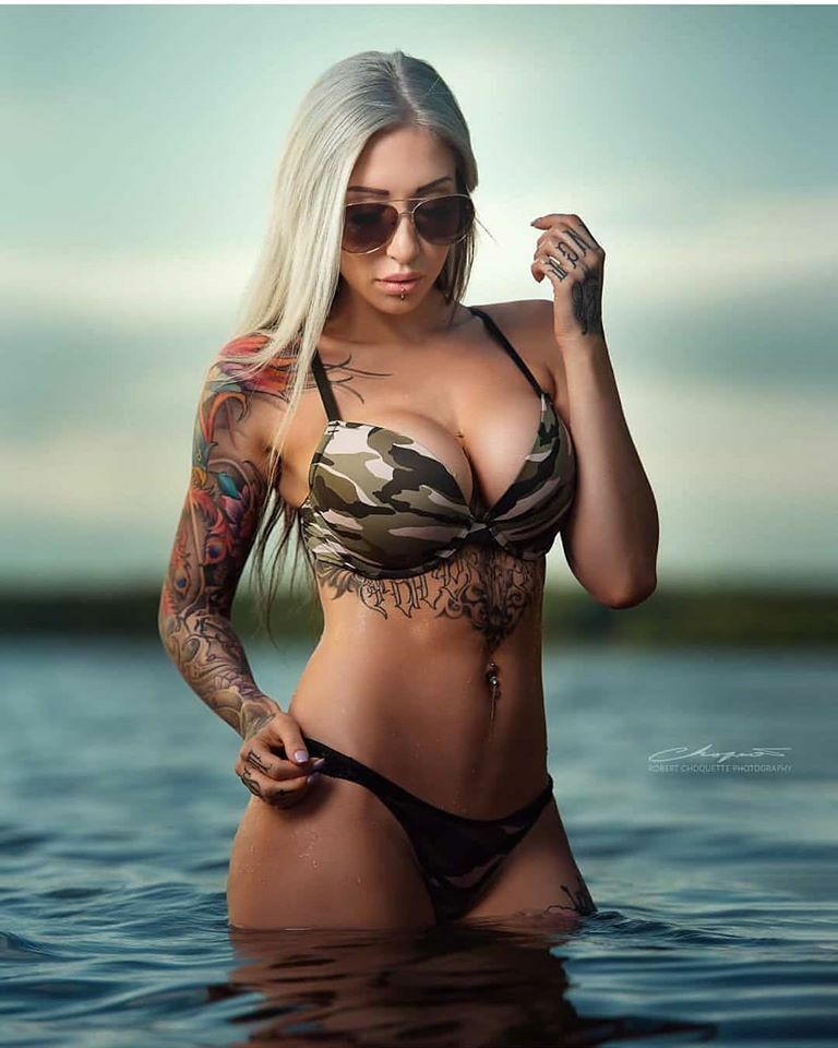 Model: @isababe_beauty ・・・ Photographe @robertchoquettephotography   #sunset#plage#armygirl#lovesummerdays#beautifulpic#inkedmodel#inkedgirl#inkedblond#tattoomodel#tattoogirl#outsideshooting#glamour#bikini #inkedbabe #inkedgirl #inkeddoll #tatt… https://ift.tt/39mIwWqpic.twitter.com/qPNgRRFFDP