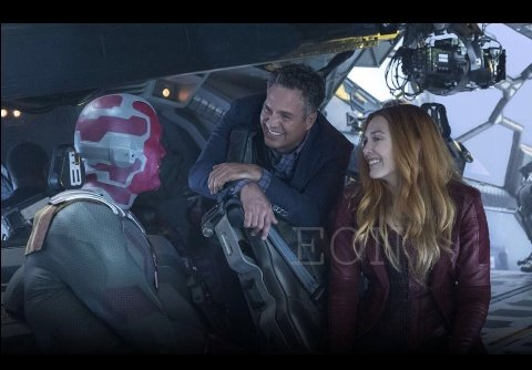 How come I've never seen these? They're smiles look at em   #brucebanner #vision #wandamaximoff #WandaVisionpic.twitter.com/WryR6xcJf6