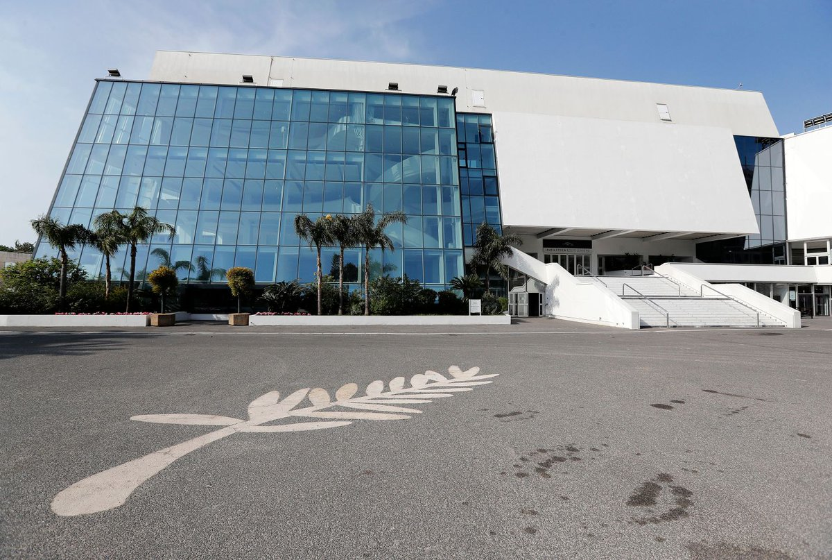Cannes' Palais des Festivals Is Now a Homeless Shelter Amid Nationwide Lockdown https://bit.ly/3aAlWL2