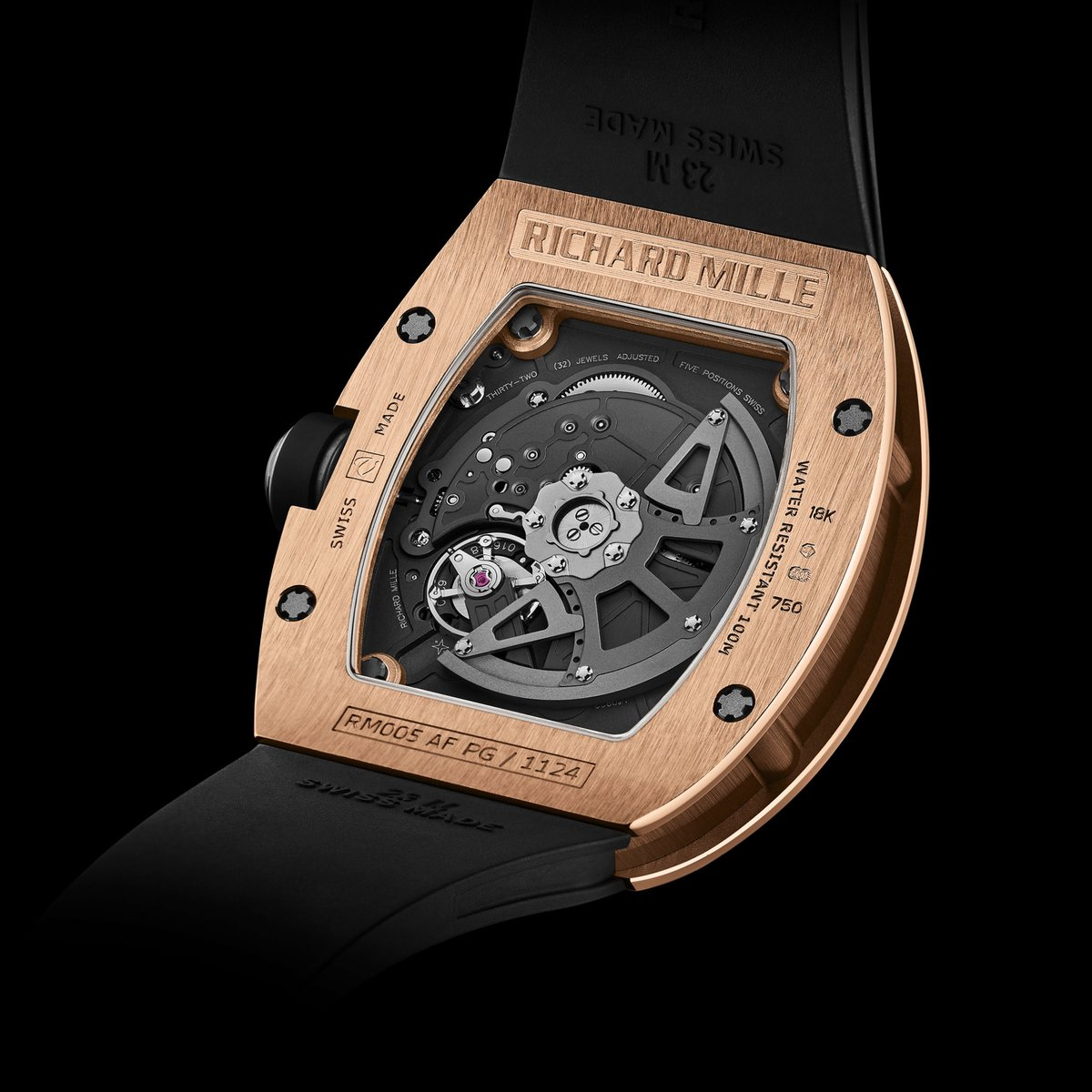 #Historicalmodels The RM 005 introduced the first variable-geometry rotor which adapted the rewinding mechanism to the user's activity level. A Symbol of ingenious innovations specific to the brand and its obsession of constant development. #RichardMille https://t.co/Nm4c2IteQV