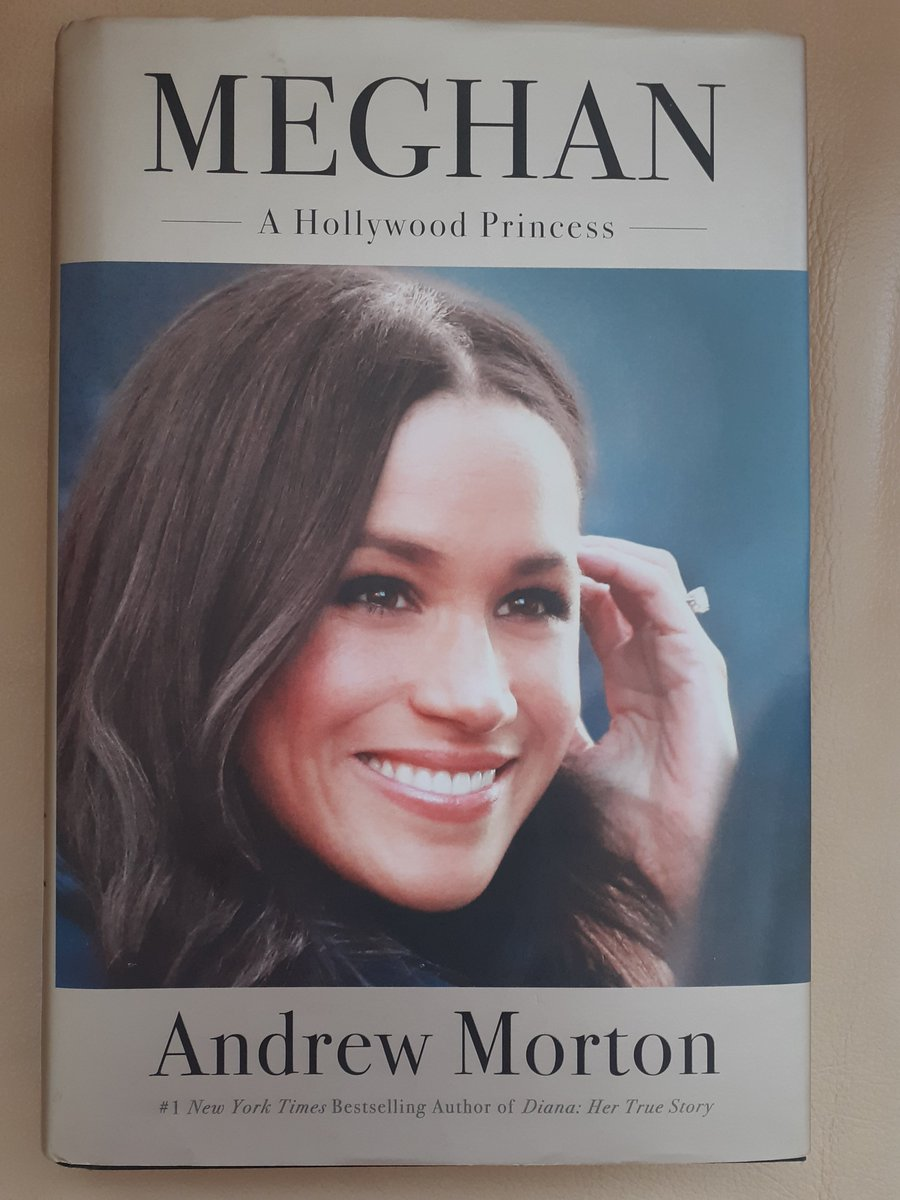 Yayy my new to me book arrived today can't wait to read this. #DuchessMeghan #MeghanAHollywoodPrincess by @andrewmortonUKpic.twitter.com/QW5OImyjRV