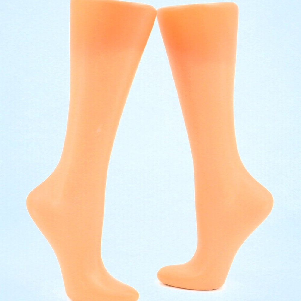 Free Standing Store Display, Calf and Foot For socks Mannequin leg for knitted socks photo for advertising Stocking display Sock blocker https://etsy.me/2ouIHJS #EtsyTeamUNITY #HappyMonday #craftychaching #happyeasterpic.twitter.com/L894EtNDnp
