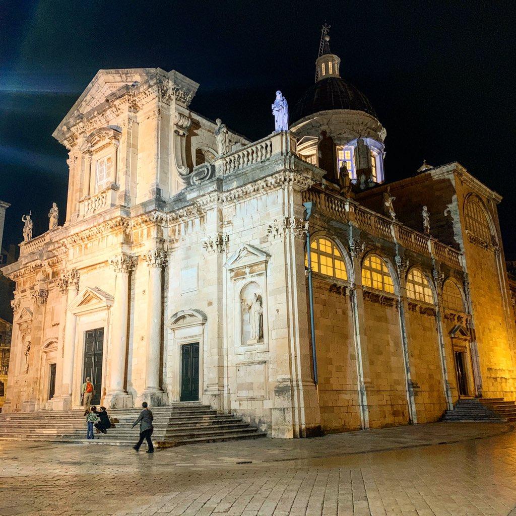 Cathedral of the Blessed Virgin Mary  in Dubrovnik #katedrala #samostan #Gospa #Jesus #church #여행스타그램 #dubrovnik #travel #요새 #아드리아해의진주 #두브로브니크 #구시가지 #크로아티아 #CroatiaFullOfLife #дубровник #GuardianAngels #Holy #blessed #popefrancis  #chatolic #saintpic.twitter.com/ym9FV6F0xs