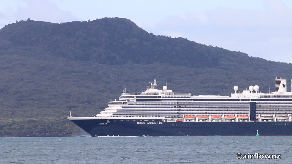 Holland America Line Noordam which was in the Rangitoto Anchorage near Auckland departed this week for San Diego at only 9.7 knots! Due to arrive April 24. pic.twitter.com/VrXqGYAz0B
